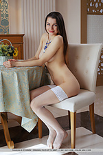 Enchanting met art gentle thumbs beauty pictures art lady sexy babes innocent fresh modeling naked art