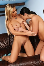 Three sultry teens lap and rub in picnic orgy