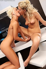 Gorgeous lesbians lick and finger in threesome