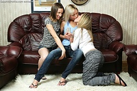 A threesome of irresistible lesbian babes