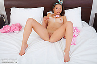 Busty doll showy beauty pussies pic only topless