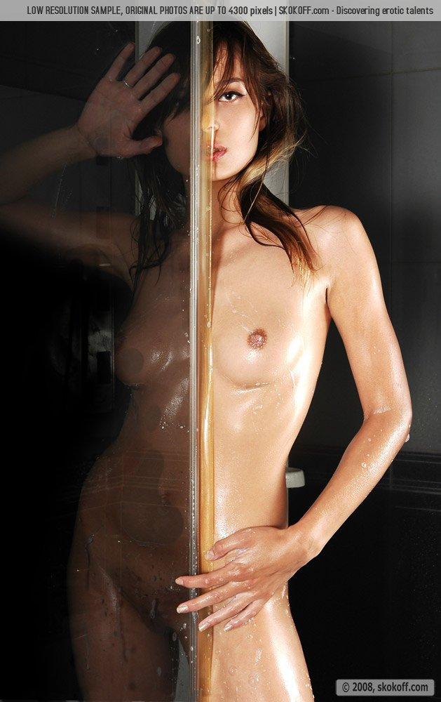 beautiful nude women photographs