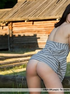 Stunning golfers strip and have torrid sex on the green