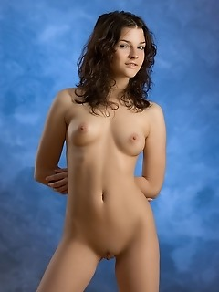 Free amateur femjoy pics softcore photography barely legal gallery