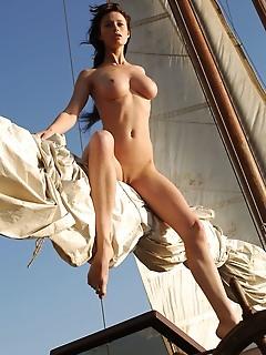 Free erotic beauties pictures erotica beautiful nude girls