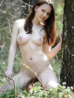 Gorgeous maiden with flawless body and countrygirl appeal.