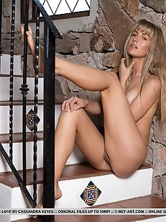 Jennifer love topless jennifer love shows off her smoking hot body as she poses at the stairs.