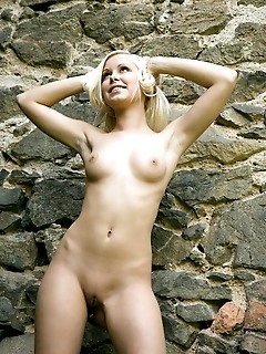 Teen girls art free naked girl picture