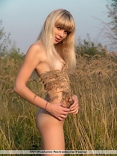 Naked girl blonde outdoor, outdoors, natural, nature erotica teen pussy
