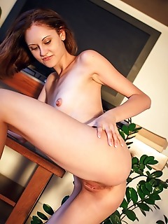 Sade mare sade mare excitedly shows off her fit and well-toned body as she takes naughty selfie photos