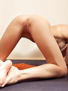 Horny naked cutie