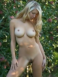 Erotica pretty models erotica topless models