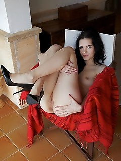 Anie darling top model anie darling spreads her sexy legs baring her sweet pussy.