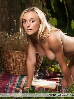 come with me nude bikini photo gallery erotic photos free