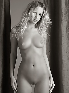 Nudes young female xxx pics