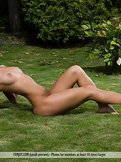 Beautiful sigrid flaunts her slender body with yummy pussy as she poses on the chair.