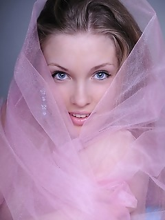 Gorgeous naked beauty