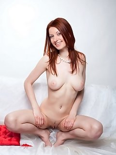 Simone makes a sizzling striptease performance to flaunt her athletic body with round, cuppable breasts, puffy nipples, sweeping thighs, pink pussy, a