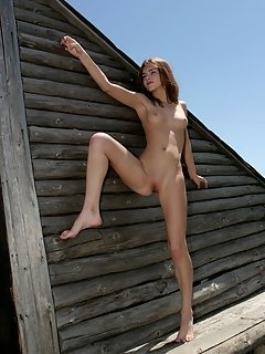Beautiful busy redhead michelle h has full supple breasts and nice tight butt cheeks