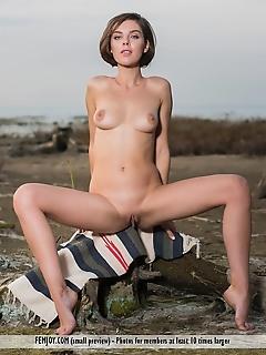sweet lips naked femjoy thumbnails younger babes nude