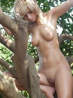 Teen girl nude russian free female pics