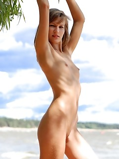 Shapely free amour angels softcore photography gallerys outdoor