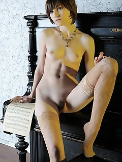 Free virgins pics nude erotic girls art cutie